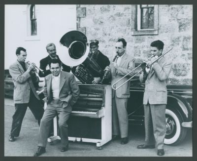 Turk Murphy Jazz Band with Charles 'Duff' Campbell (not a member of the band; holding cornet in the absence of Don Kinch), Dick Lammi, Wally Rose, Bob Short, Bob Helm and Turk Murphy