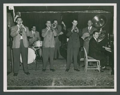 Bob Scobey Band: George Probert,  Fred Higuera, Jack Buck, Squire Girsback, Bob Scobey,  Clancy Hayes, Wally Rose