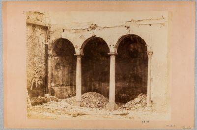 Villa già del Bufalo. Portichetto
