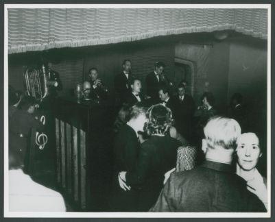 Wartime Yerba Buena Jazz Band , Clancy Hayes, Al Zohn, Bob Helm, Ellis Horne, Russ Bennett, Bill Bardin at the Dawn Club