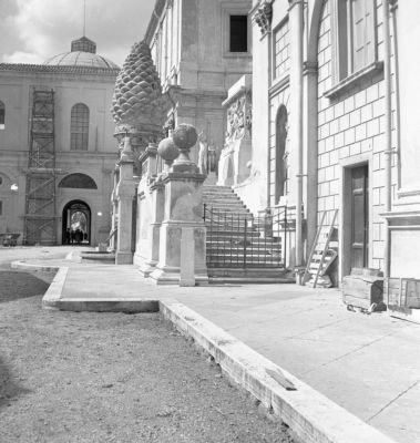 Apostolic Palace, the Cortile della Pigna, north side featuring the pinecone