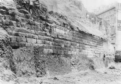 Servian Walls, the stretch of wall, 36 m., beside Via delle Finanze (now Via Antonio Salandra) during excavation in 1909