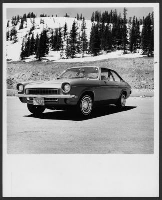 Five economy sedans. Road & Track January 1971. Ford Pinto, Chevrolet Vega, Toyota Corona, Datsun 510, Volkswagen Super Beetle
