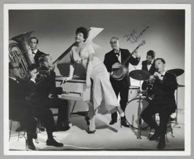 Pat Yankee and her Sinners: Ernie Carson Art Nortier Bill Carroll, Pat Yankee, Dave Wierbach, Bob Bruckhart, Phil Howe