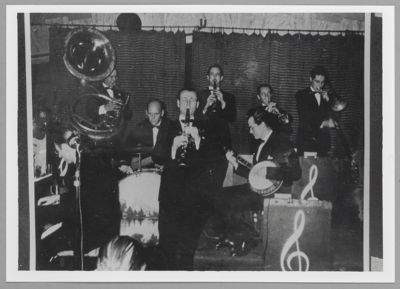Wartime Yerba Buena Jazz Band: Burt Bales, Bill Coonley, Clancy Hayes, Ellis Horne, Bob Helm, Russ Bennett, Al Zohn and Bill Bardin at the Dawn Club