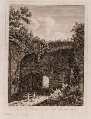 Palazzo dei Cesari, avanzi vista dalla parte oposta