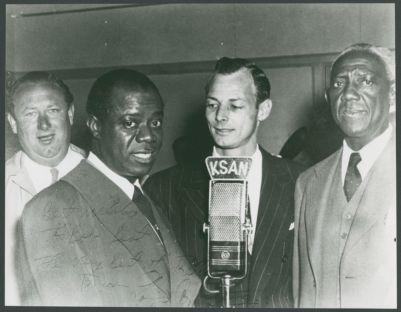 Bob Best, Louis Armstrong, Ted Husing, Bunk Johnson at KSAN mic