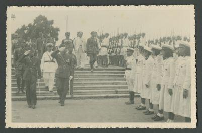 Wang Jingwei salutes naval cadets