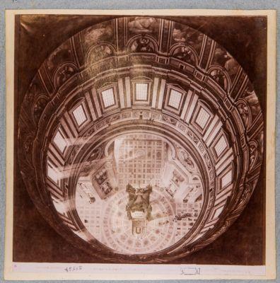 Cupola di S. Pietro in Vaticano. Veduta dal lanternino