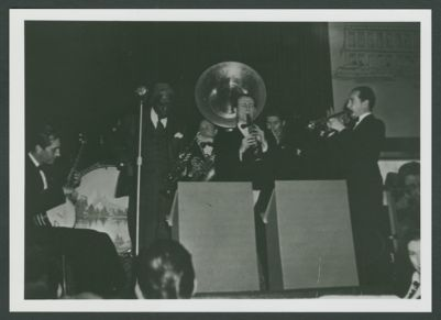 Bunk Johnson with the Yerba Buena Jazz Band: Pat Patton bj, Bunk Johnson tpt, Lefty Benjamin dm, Squire Girsback sou, Ellis Horne cl, Turk Murphy tmb, Al Zohn tpt.  Pianist hidden.  Unknown location, San Francisco, 1943