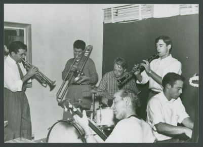 Jam session at residence of Tom Sharpsteen, with Don Kinch and Turk Murphy; John Joseph, drums; Burt Hanson, banjo; Tom Sharpsteen, clarinet; Russ Gilman, piano -  Los Angeles, CA