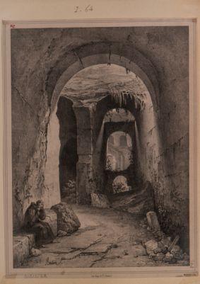 Colosseo, interno. Particolare di alcune arcate
