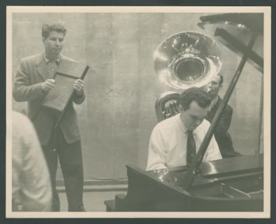 Turk Murphy on washboard with Bob Short and Wally Rose