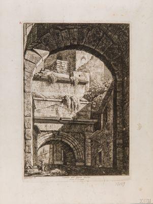 Porta Tiburtina, dall'interno con epigrafi dell'acquedotto