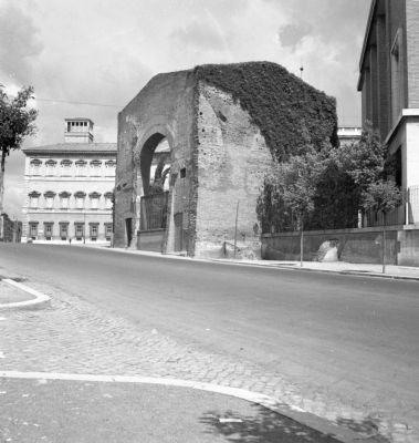 Thermae Lateranenses, frigidarium on Via Amba Aradam