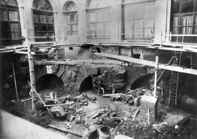 Aqua Virgo, remains of four arches of the Aqua Virgo which were discovered in 1887 under the courtyard of the Palazzo Sciarra