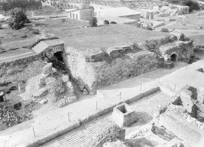 Temple of Apollo Palatinus, the pronaos and the podium of the cella