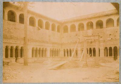 Chiesa di S. Giovanni in Laterano. Chiostro