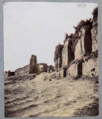 Acquedotto Claudio presso la fontana di Clemente XII (Porta Furba)