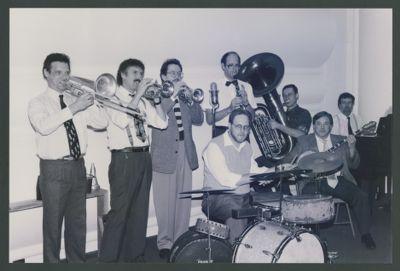 Hal Smith's Down Home Jazz Band: Tom Bartlett, Bob Schulz, Chris Tyle, Hal Smith, Larry Wright, Mike Bezin, Jack Meilahn, Ray Skjelbred