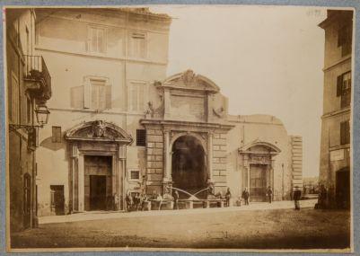 Fontana di Paolo V a via Giulia
