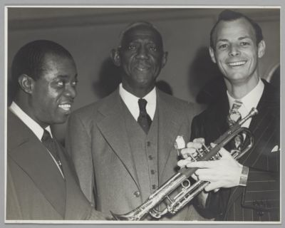 Louis Armstrong, Bunk Johnson, Ted Lenz holding Bunk's trumpet