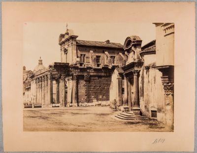 Tempio di Antonino e Faustina, fianco verso levante con scorcio del pronao